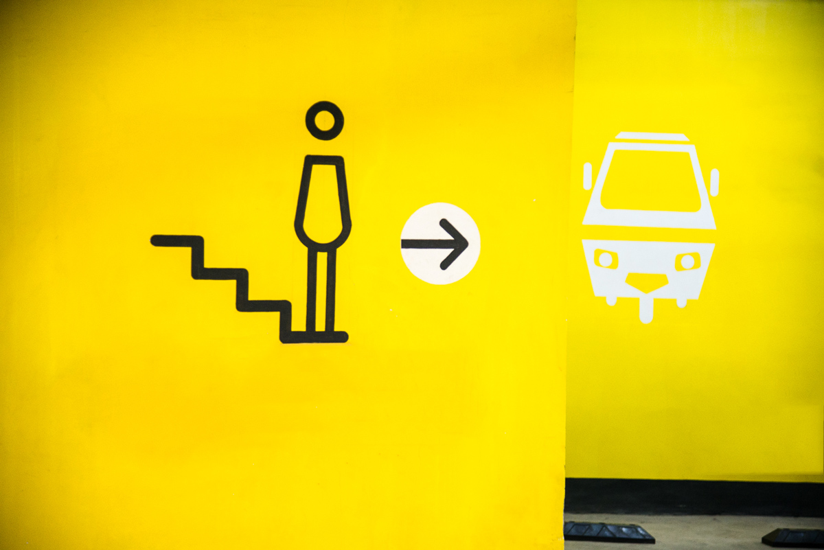 labim-parking-staircase-signage