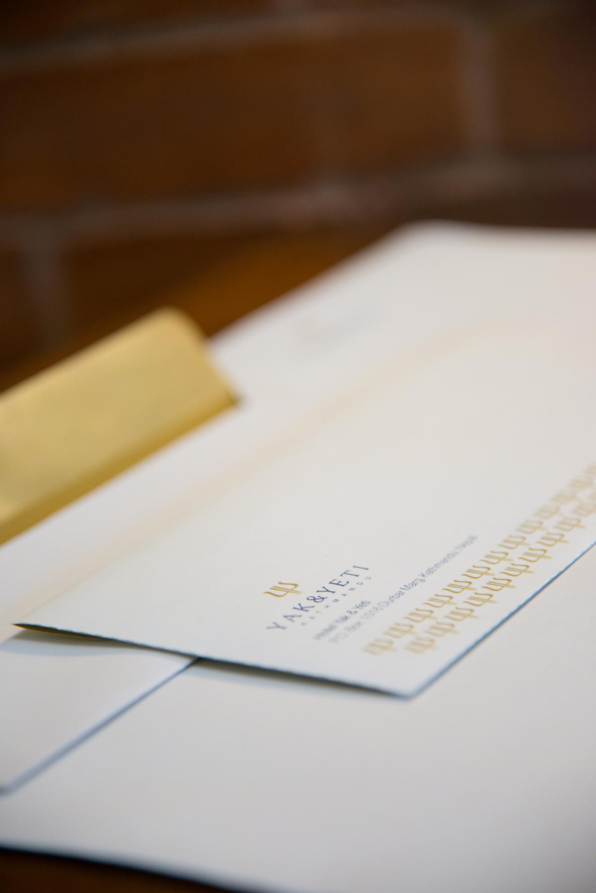 y&y-corporate-envelope-pattern-2